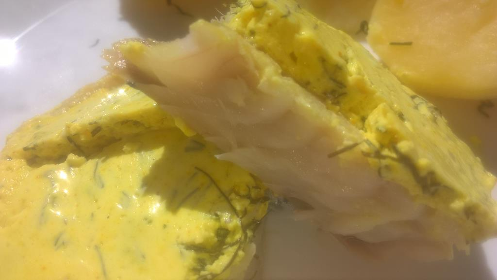 ryba w sosie koperkowo-śmietanowym