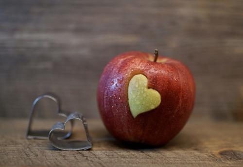 jabłka z cynamonem